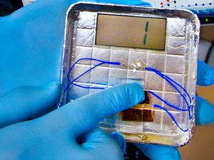 Virus que convierten tus pasos en electricidad
