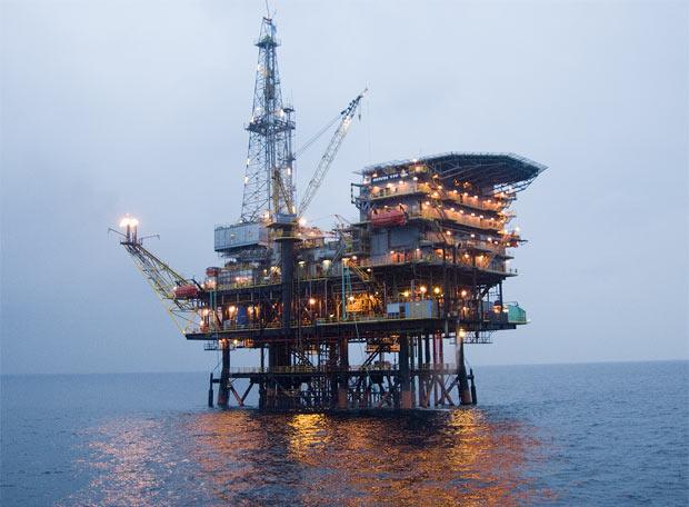 Nace una plataforma contra los pozos de petróleo de Repsol en la Costa Dorada