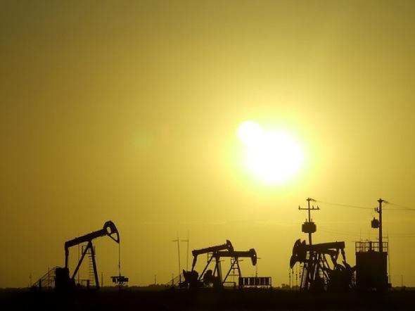 La crisis política de Libia produce el aumento del petróleo
