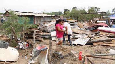 Tornado arremete contra Nuevo León y destruye 30 casas
